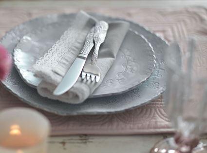 סט כלי שולחן תחרה מבית מיקסה