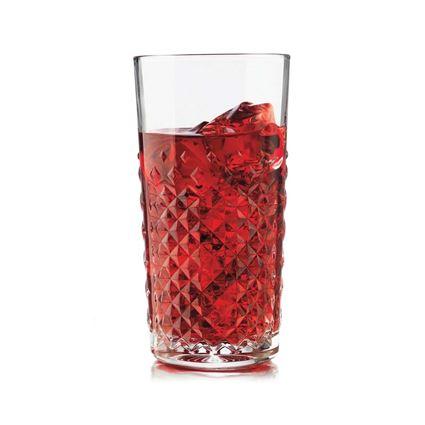 כוס שתייה ארוכה מדגם קראט מבית ליבי - Libbey עם מיץ ענבים