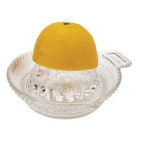 מסחטת מיץ לימון עם לימון
